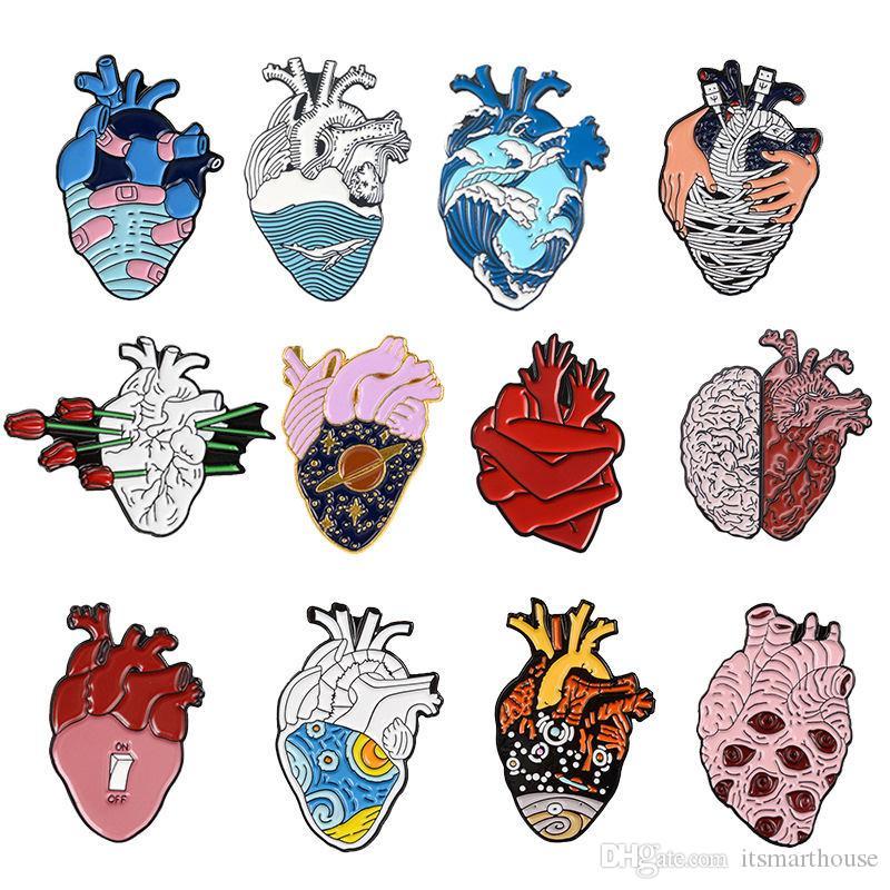 16 style de coeur émail Anatomical Pins Anatomie médicale Broche Coeur neurologie Pins Médecin et infirmière Épinglette Sacs cadeaux Badge