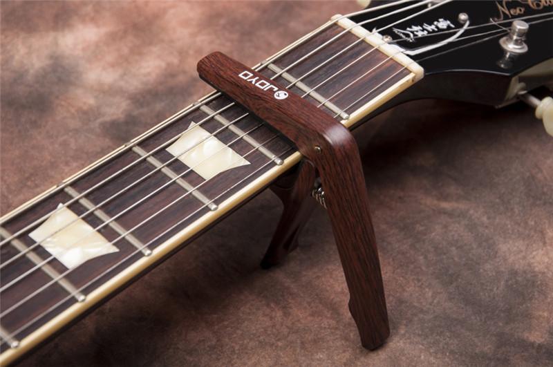 JOYO JCP-01 Güçlü Hafif Retro Stil Ahşap Akustik Elektro Gitar Capos Kelepçe Siyah Gümüş ile JOYO Caz Gitar Seçtikleri