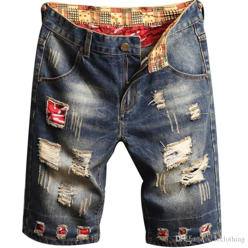 Verão Mens retalhos rasgado Shorts Buraco Jeans Designer Masculino joelho comprimento das calças lavadas Distrressed Arranhado Bordados Meninos Shorts Hetero