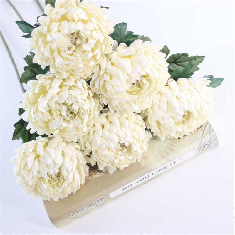 6PCS وهمية واحدة الجذعية الأناناس الاقحوان محاكاة جولة الأقحوان لحضور حفل زفاف الرئيسية معرض الديكور الزهور CJ191213
