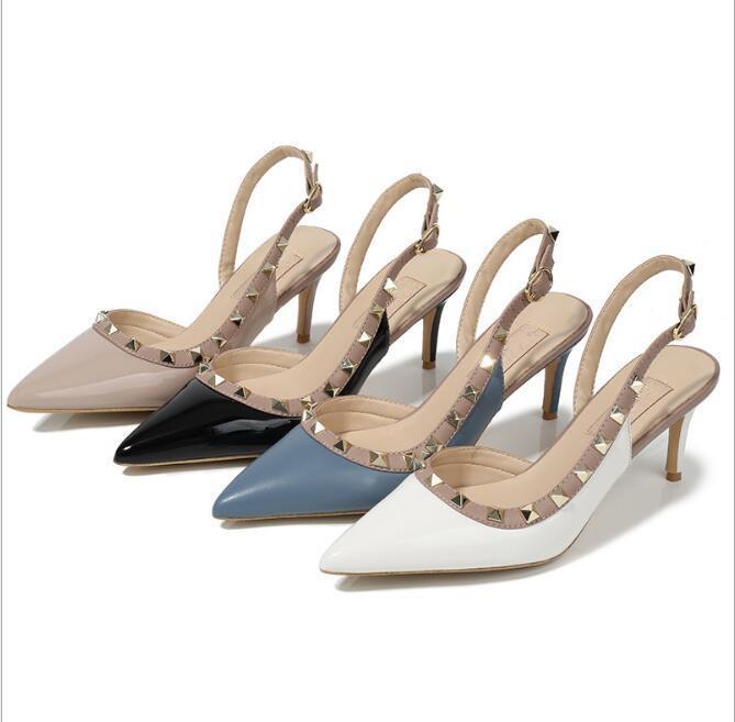 2020 Mulheres Bombas sapatos de casamento Mulher saltos altos sandálias nus Moda correias do tornozelo Rebites Shoes Sexy saltos altos sapatos de noiva