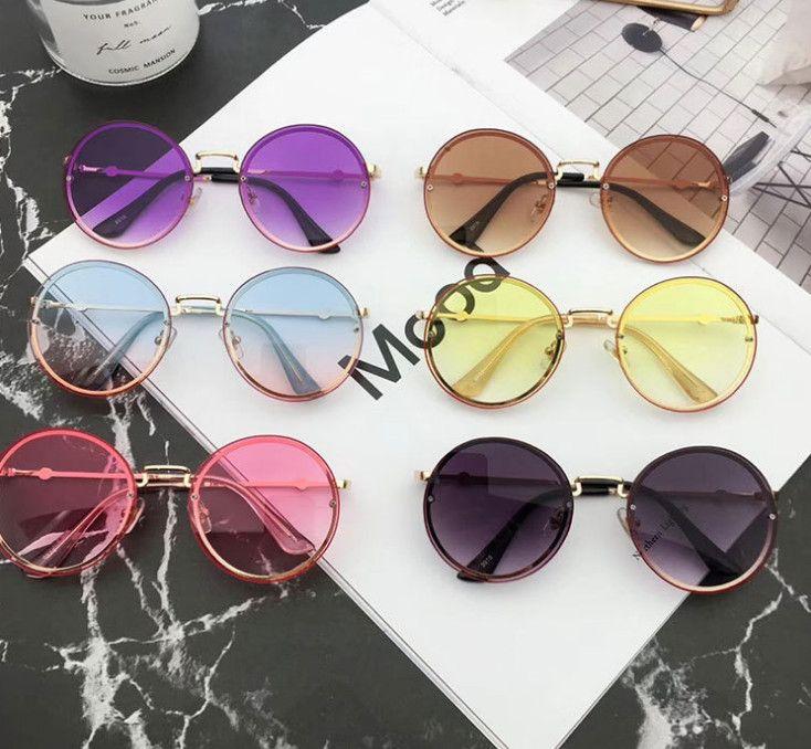 2019 Summer New Kids Sunglass style vintage filles rondes lunettes de soleil garçons Beach Beach Filles UV 400 lunettes de soleil adumbral F3366