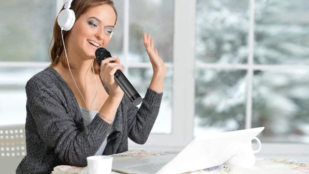girl-singing-karaoke-portrait-beautiful-home-83174878