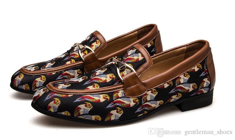 2019 Novos Sapatos Masculinos de Casamento Vestido de Apartamentos Masculinos Flats Casuais Slip-on Sapatos Masculinos Sapatos Masculinos pano Mocassins Artesanais 551