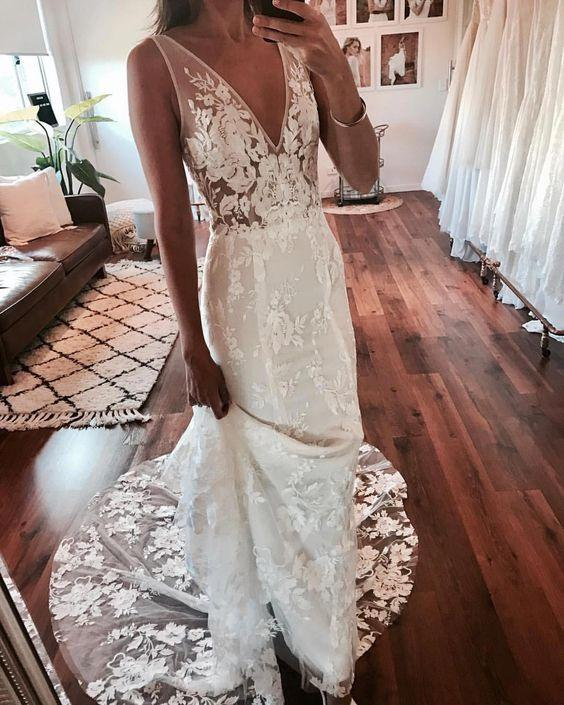 2019 Summer Ivory V Neck Lace Applique A-Line Wedding Dresses Full Lace Summer Beach Backless Bridal Gowns Plus Size