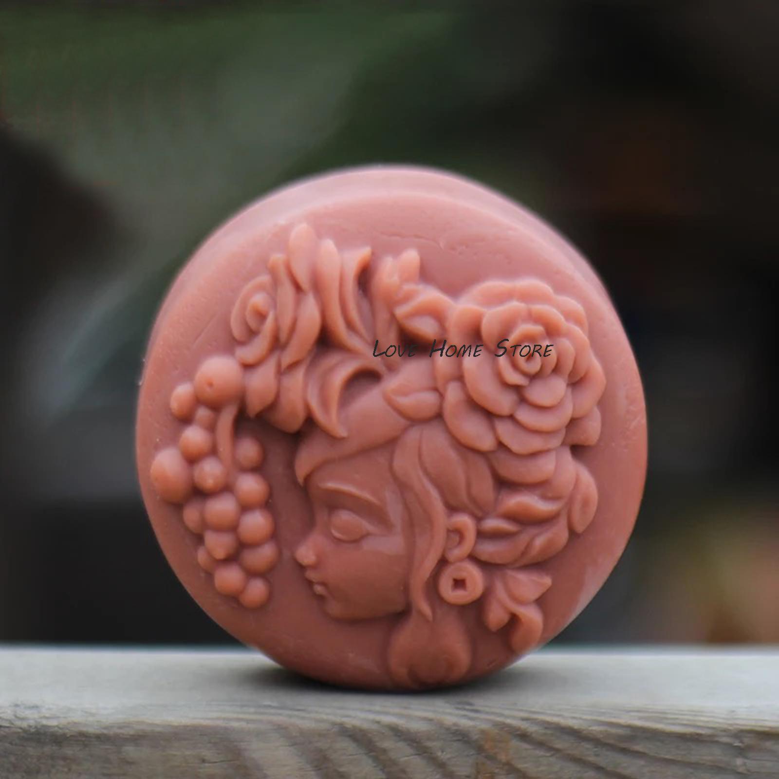 3D RAISIN fille moule en silicone de forme ovale forme douce bonbons outil de décoration moule de savon au chocolat de la crème glacée de gâteau d'anniversaire du sucre