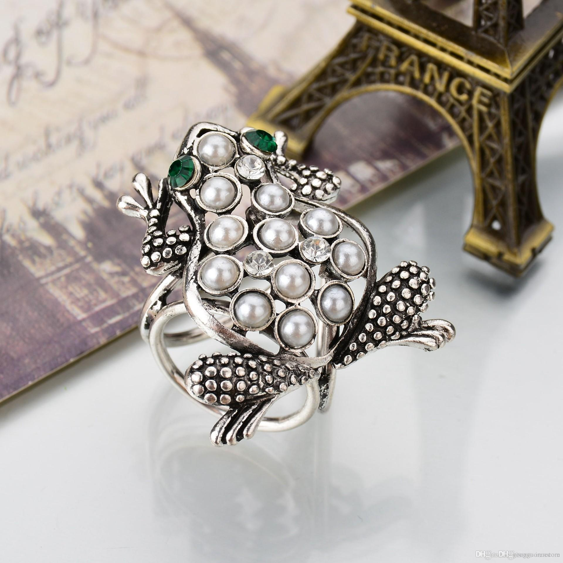 Fashion New Scarf Buckle Accessories Brooch Vintage Simulated Pearl Frog Brooch Pins Shawl Buckle Clips For Women