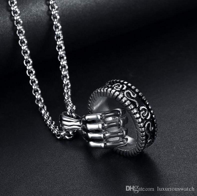 2020 personality trendy male fashion retro skull hand ring pendant hip-hop wild stainless steel men's necklace nightclub accessories for lov