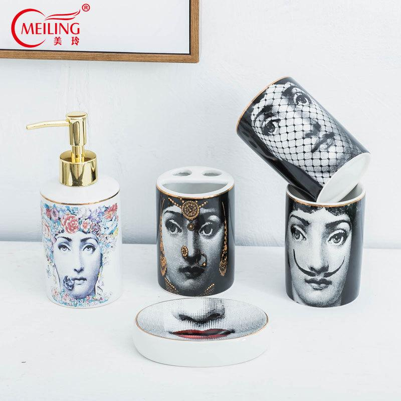 Beliebte Fornasetti Badezimmer Sets 5 stücke Keramik Dekoration Zubehör Seifenspender Zahnbürstenhalter Tasse Wc Aufbewahrungsbox Heißer Y19061804