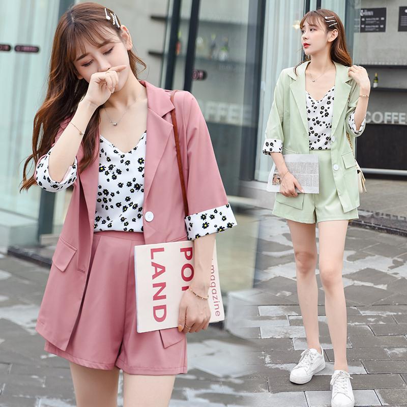 2020 Ромашка костюм костюм женский корейской версии 2 шт костюм куртка + шорты