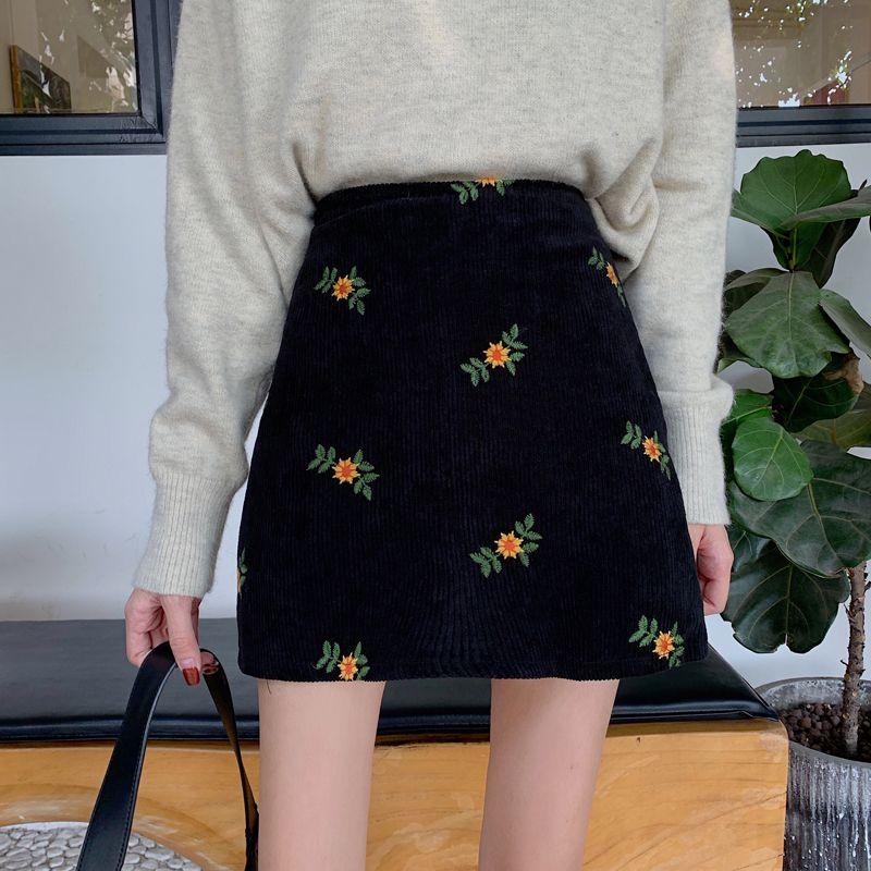 Nueva Primavera de talle alto pana dulce flores bordado faldas Harajuku Sólido una línea de Falda Tamaño más lindo estilo japonés