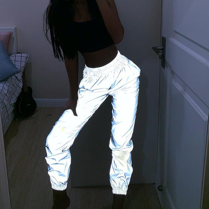 2019 en Europe et aux États-Unis Nouveaux Pantalons simple femmes réfléchissantes Baggy pieds hors de la rue au printemps nuit Pantalons tendance
