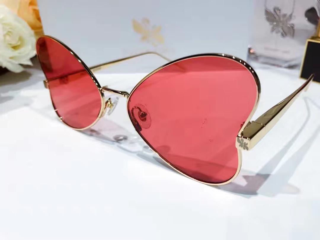 Lüks Güneş Popüler SÜPER Sung Moda Kelebek Güneş Üst Kalite Özel Güneş gözlüğü Kadınlar Tasarımcı UV Koruma Kılıfı 002 Gel