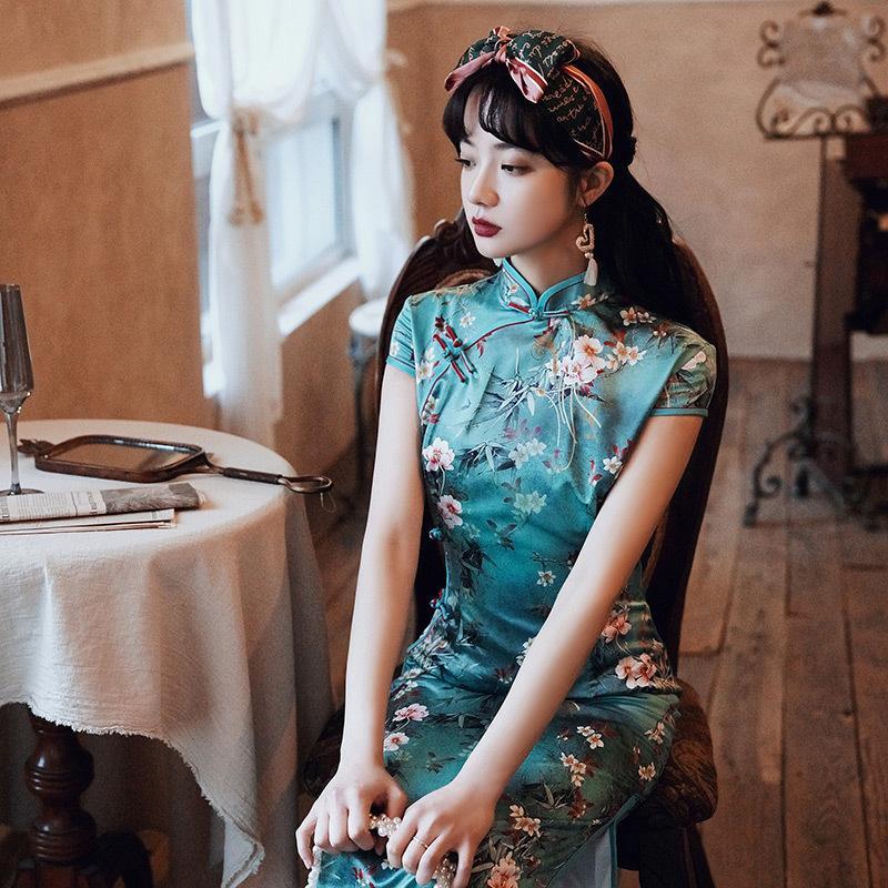 زائد حجم S-5XL النساء الكلاسيكيات اللباس الصيني زهرة الحرير الرشيقة Cheongsam سليم لونغ كيوباو
