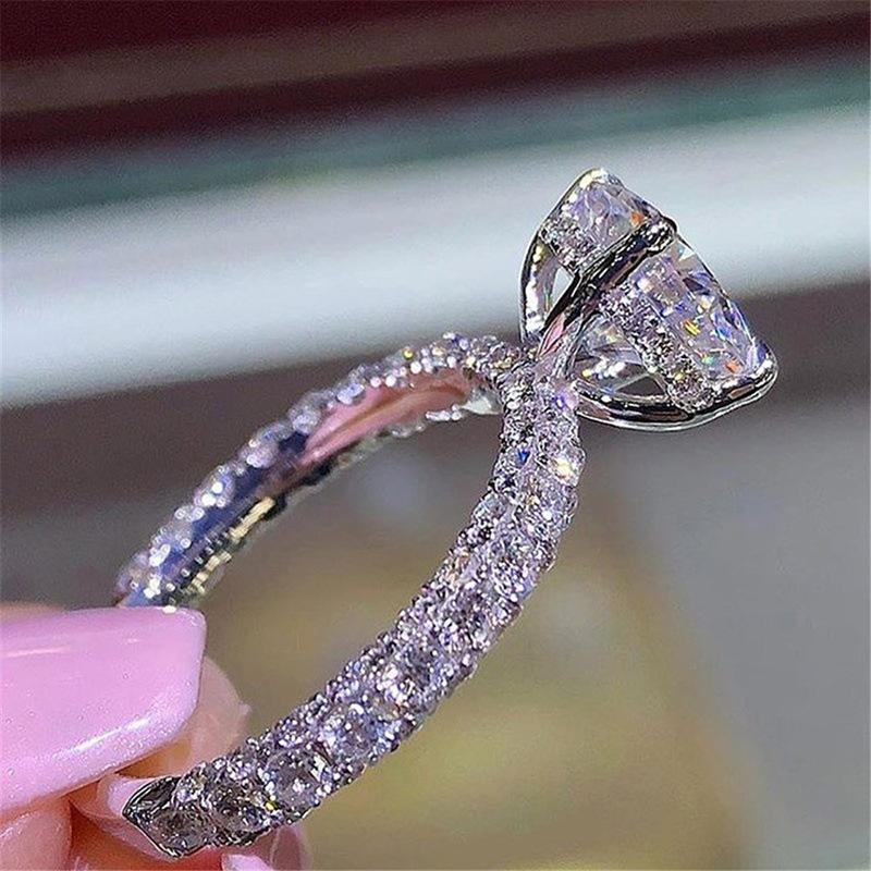 WIHS nouvelle bague princesse ronde diamant flash populaire en gros des femmes de mode européens et américains anneaux de proposition Engagement des diamants