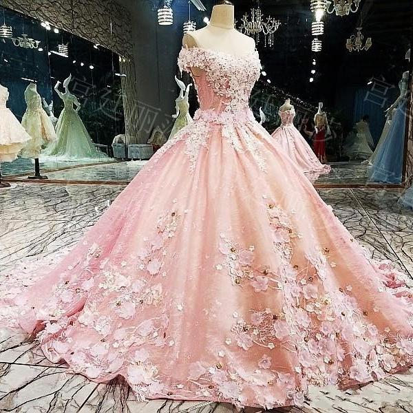 2021 Luxury Ball Gown Quinceanera Dresses Off the Shoulder Lace Appliques Crystal Beaded 3D Flowers Sweet 16 Party Prom Evening Gowns