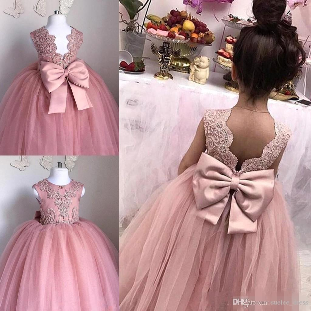 Carino Dusty Pink Flower Girls Abiti Gioiello Neck Beaking Tulle Backless Big Bow Bambina Pageant Birthday Party Gown Bambini Abbigliamento formale