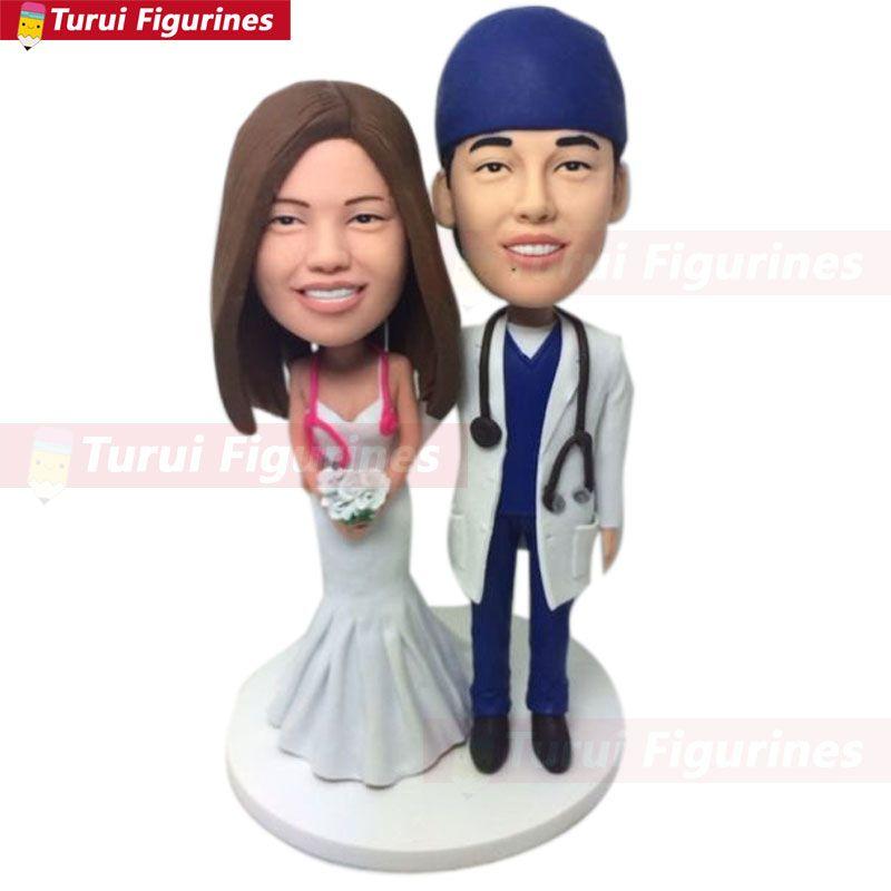 Enfermera quirúrgica Personalizada Personalizada Pastel de bodas Topper Bobble Head Figurilla de arcilla Basado en foto de los clientes Pastel de cumpleaños Topper Regalo de boda