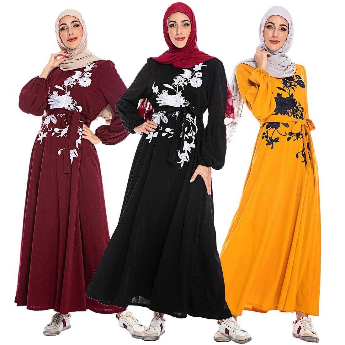 Muslim-Blumendruck Kafatn Kleid S-3XL plus Größe islamischen Frauen langärmelige Swing-Kleid Schwarz / Gelb / Rot