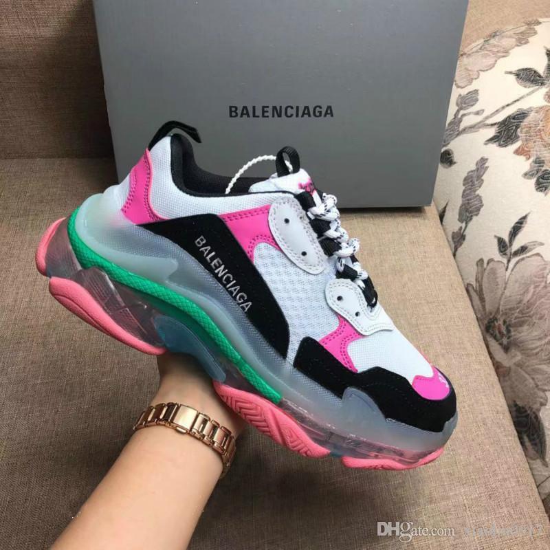 02 nuovi designer Parigi Triple S 3.0 per gli uomini donne scarpe da tennis 17FW nero per le donne a basso Top pattini piani casuali con Clear Sole