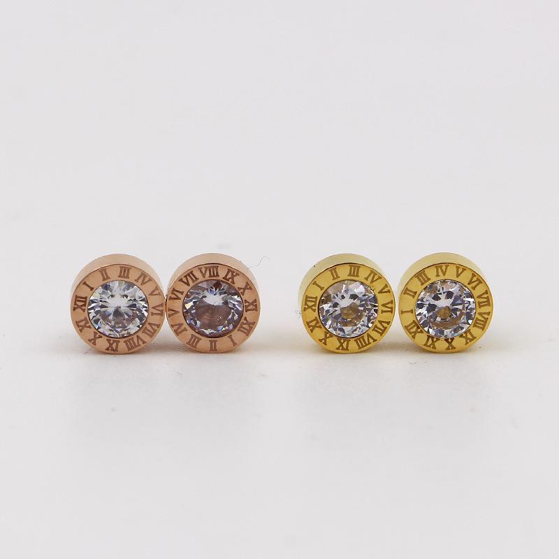 2019 neue Art und Weise Marke bohren Schmuck Runde römischen Ziffern Ohrring Edelstahl Rose Gold Farbe Frauen Charme-Parteigeschenk Liebe Ohrringe