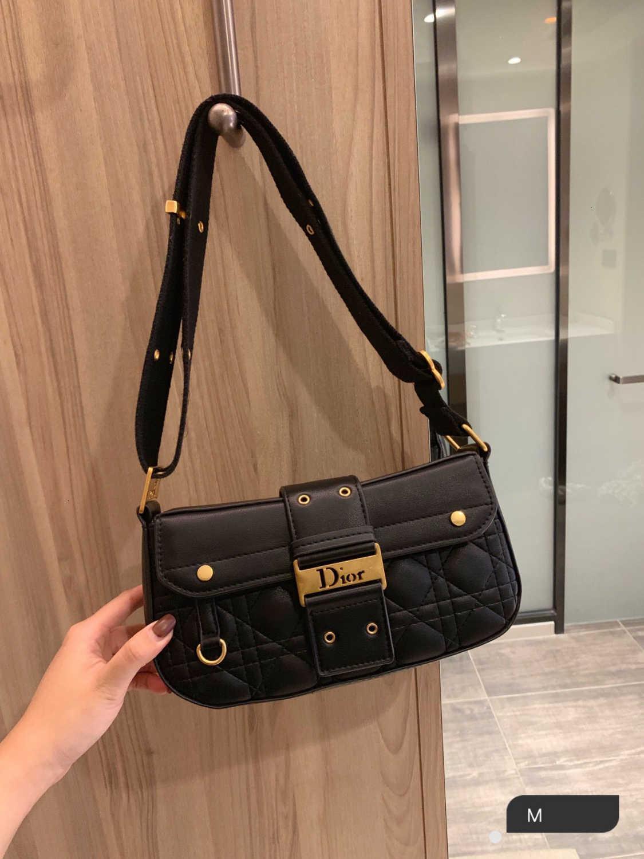 bolso de las señoras 2019 nueva moda raya simple diseño del hombro tejido de la bolsa damas con encanto suaves size25 bolso ocasional * 15