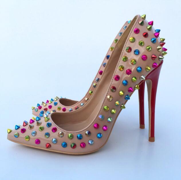 Hot vendita-2019 pompe di modo dell'Europa di punta delle donne punta rossa rivetti in basso a tacco alto delle donne di nozze pompe slip-on di moda scarpe tacchi delle donne