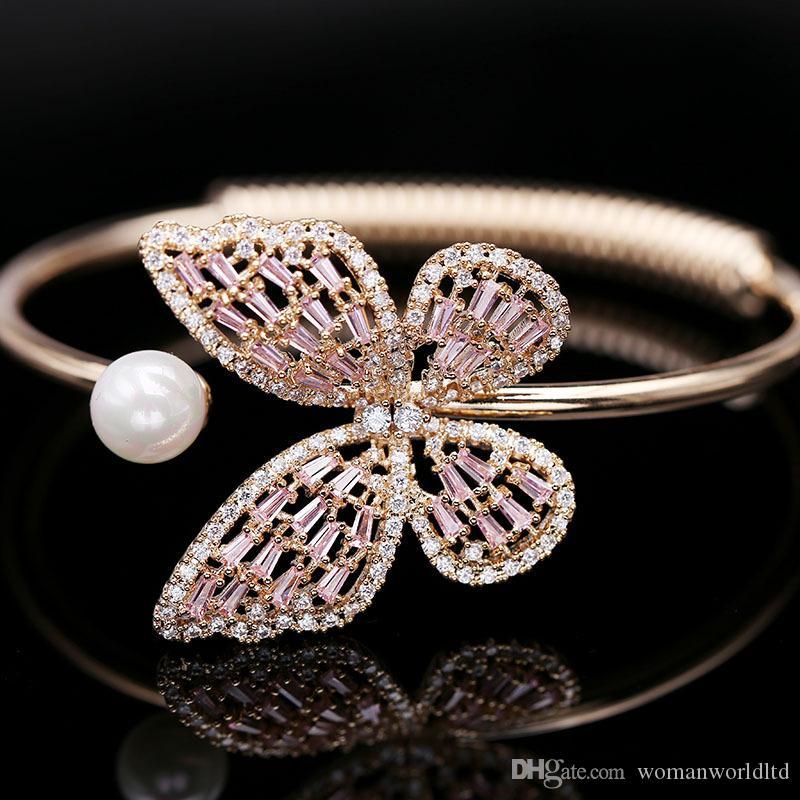 뜨거운 판매 고품질 중공과 반짝 이는 지르콘 - 상감 팔찌 진주 나비 여성의 결혼식을위한 오픈 팔찌 디럭스 쥬얼리
