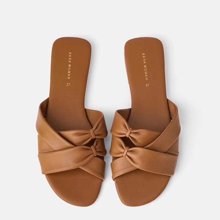 Chaussons Femme Été 2020 Nouveau fond plat ouvert Toe solides pour femmes simple d'homme couleur Sandales et pantoufles femmes