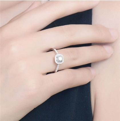 2019 Nuevos anillos de circonio cúbico para mujeres Anillos de compromiso de boda Anillos de declaración Joyería de moda