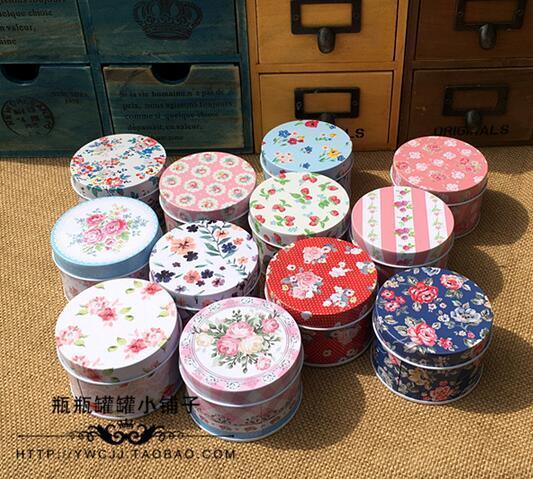 12pcs / lot redondo encantador del mini diseño de flores frescas píldora Joyero Caja Mini Decoración caso caja de regalo