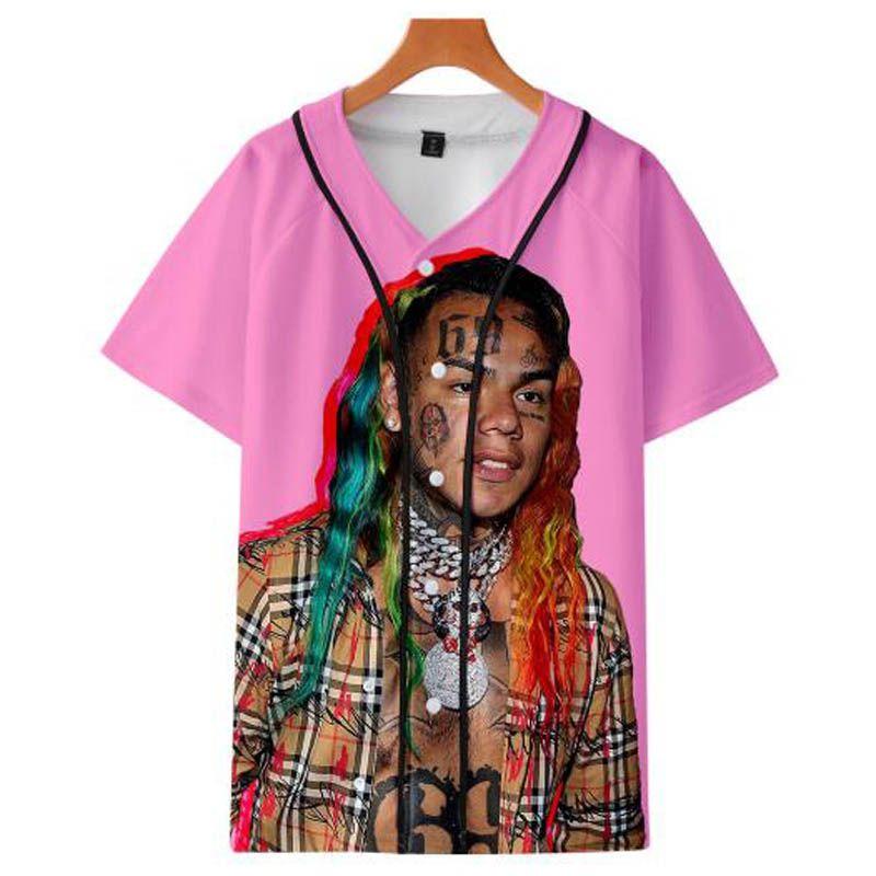 6ix9ine Bulletproof Youth Club Team نفس نمط قميص البيسبول للرجال والنساء ملابس فضفاضة عارضة الهيب هوب المتناثرة تي شيرت