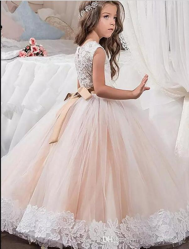 Cute Lovely Baal Gown Jewel Floor Length Tulle Lace Flower Girls Dresses Lace Beaded Crystal Belt First Communicate Dresses