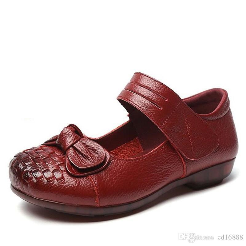 2020 Новые Лучшие коровьей Лук Женская обувь Женщины плоской обуви Женщины Мода Обувь Комфорт Мягкое дно Мама обувь из натуральной кожи