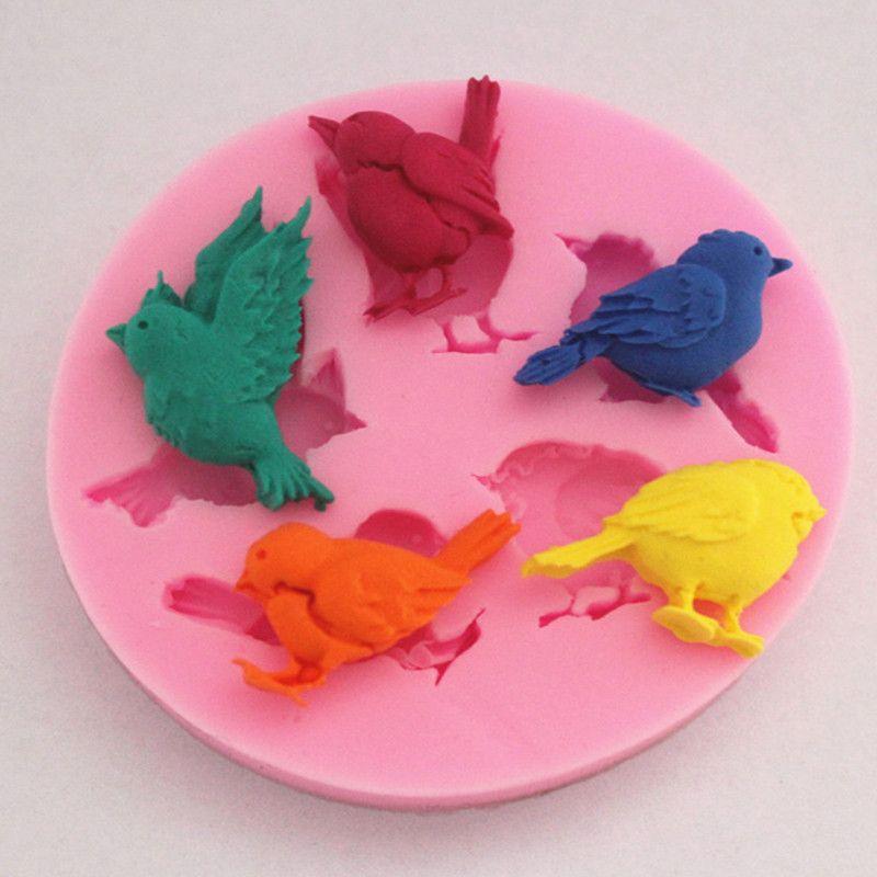 Torta del silicone di nuovo disegno 1PC 3D 5 Uccelli uccello sveglio del cioccolato del sapone di cottura della muffa della decorazione della torta della torta di muffe strumento fai da te Promozione