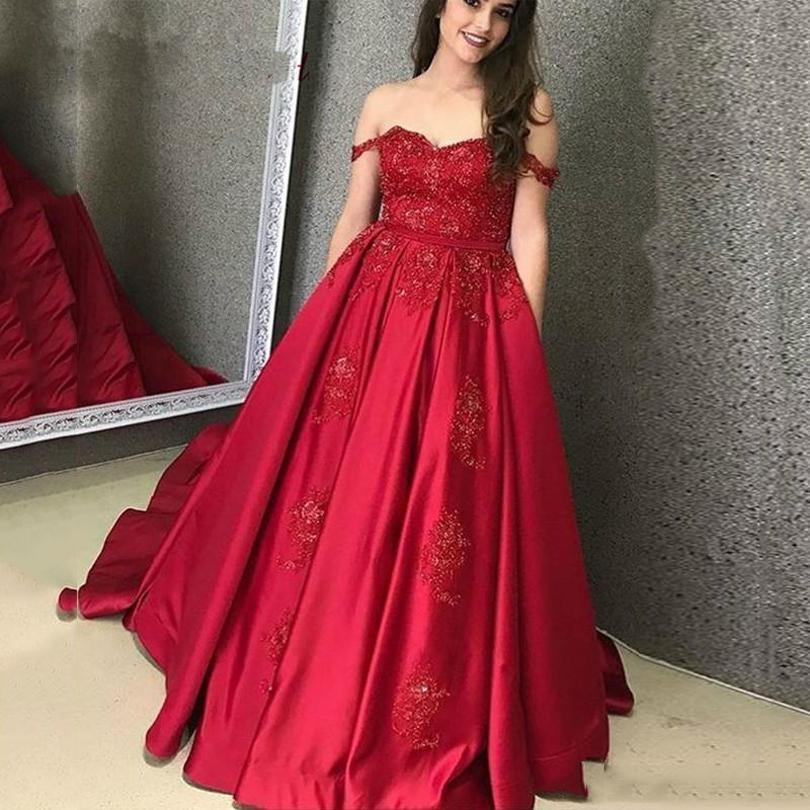 Lo nuevo del hombro vestidos de noche Borgoña Off vestidos de baile del cordón de 2020 con el barrido apliques de manga corta de raso de tren partido formal de los vestidos de noche