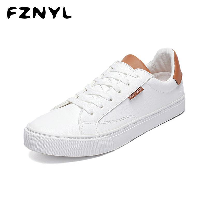 FZNYL İlkbahar Yaz Sonbahar Erkekler Düz Ayakkabı Beyaz Vulkanize Sneakers Düşük Nefes Kaymaz Moda Casual Ayakkabı 2019 Yeni Tops