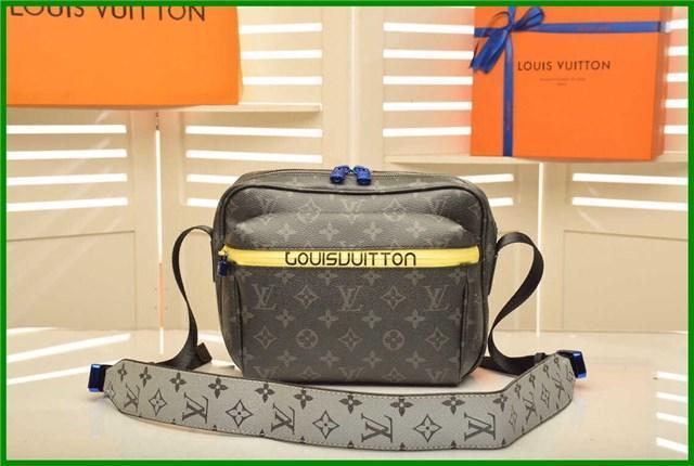 .Luxury Fashion Big Flap Bags Handbags Women Famous Brands Designer Crossbody Bags Women Shoulder Bags 2020 Chains Ladies Handbags q1
