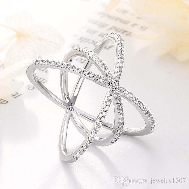Европа и Америка s925 стерлингового серебра кольцо дамы преувеличены рис персонажей личности три указательный палец кольцо прилив подарок ювелирных изделий