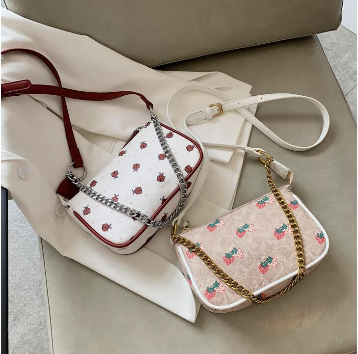 wholesale women handbag small fresh strawberry printed chain bag sweet and lovely printed leather shoulder bag new leather fashion bag