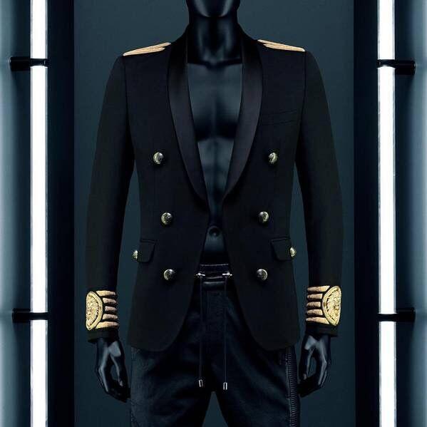 Atacado-VogaIn New Moda Limited Edition Man Blazer preto Abotoamento listrado ouro bordado Leão na luva fz0229 bezerro