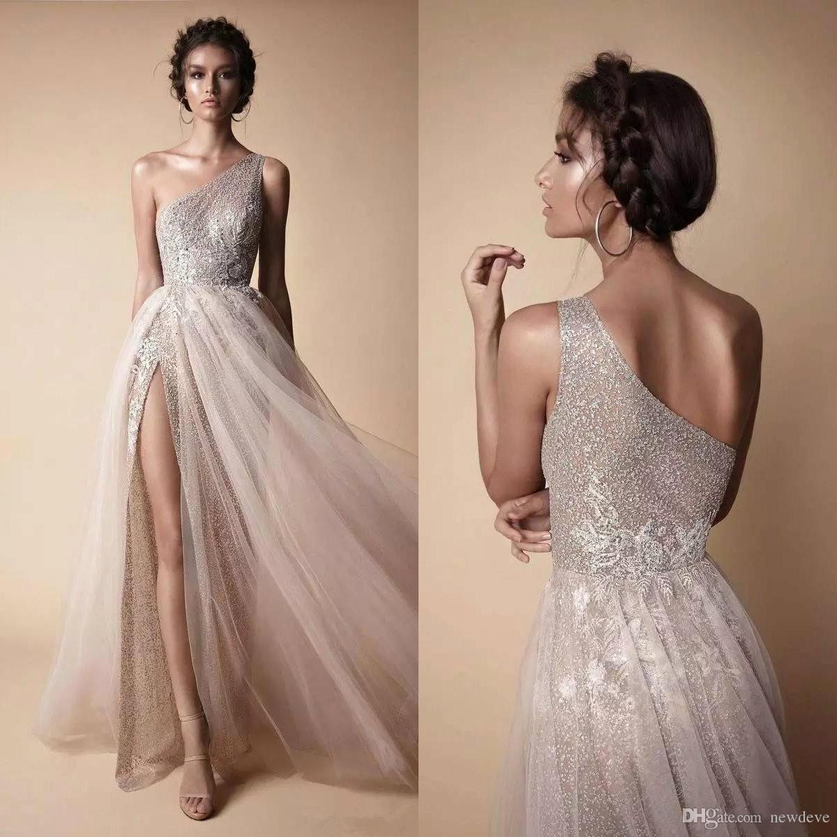 Berta 2020 Prom Dresses Elegante una spalla Lace Appliques gli abiti di sera Split Piano Lunghezza partito convenzionale di usura vestidos de fiesta