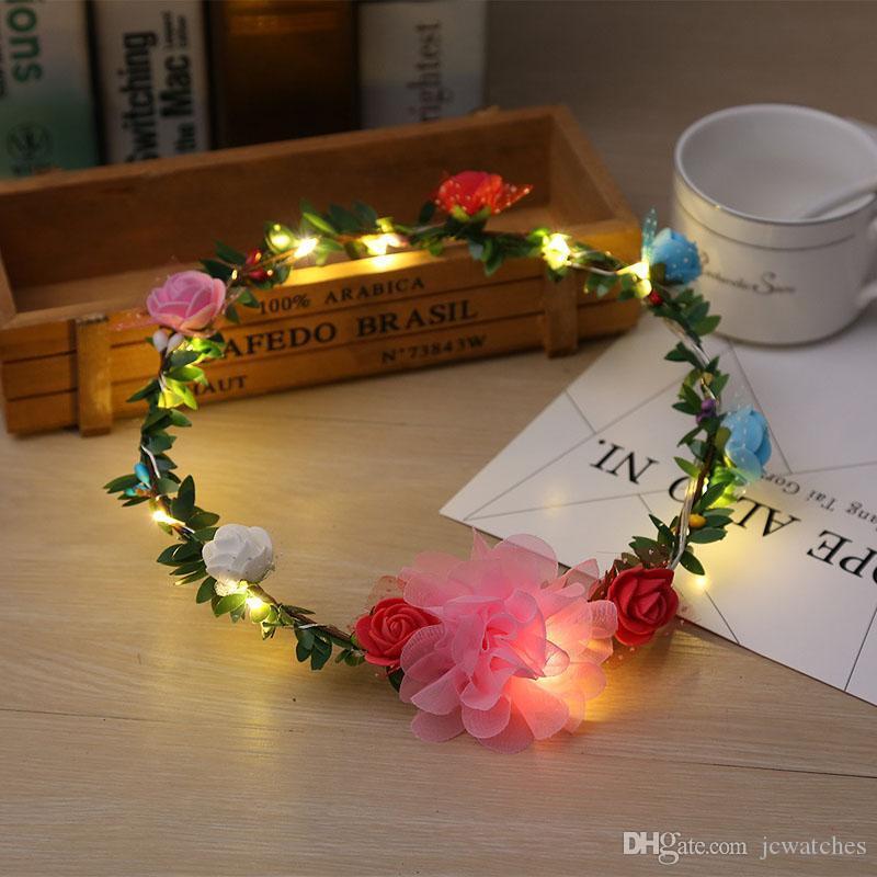 أزهار أزهار أزهار الموضة لنساء متوهجة تومض ضوء فوق شعر زهرة إكليل الزهور زينة حفل زفاف