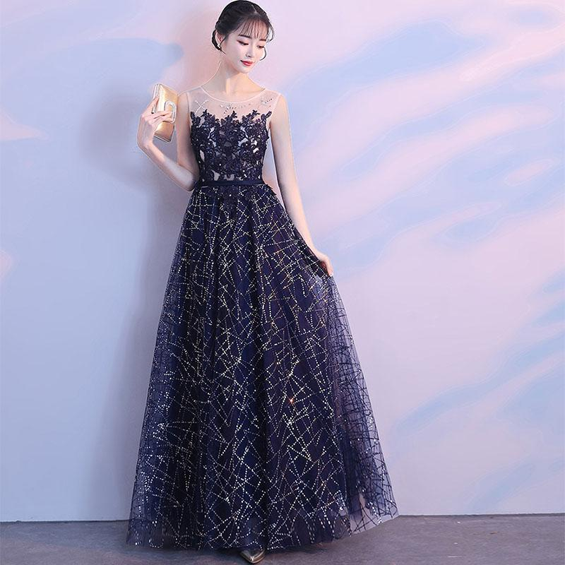Illusion Scoop Neck Full Length Prom Dresses Navy Blue Sequined Long Formal Party Dresses Sleeveless 3D Appliques Prom Gowns