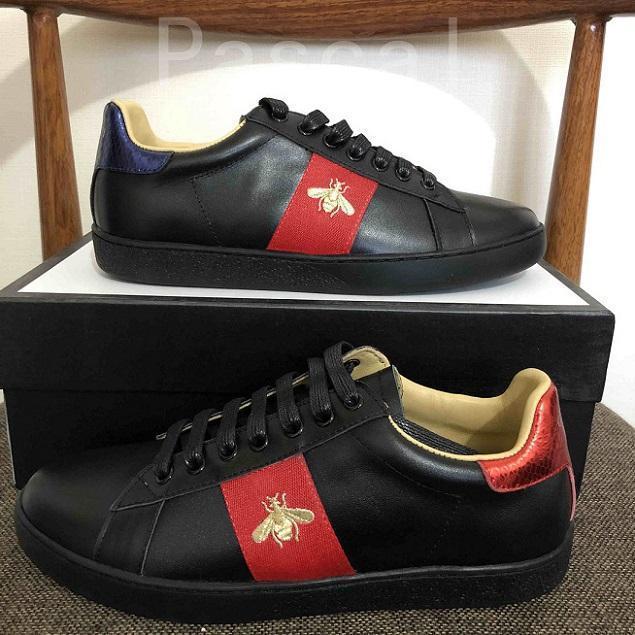 Yeni Geliş Moda Erkekler Kadınlar Günlük Ayakkabılar Lüks Tasarımcı Sneakers Üst Kalite Gerçek Deri Arı İşlemeli t16