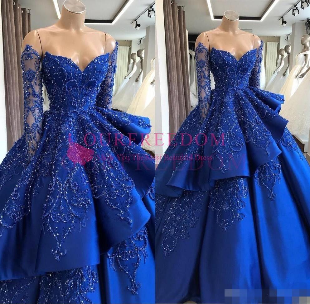 Атласные платья с открытыми плечами Quinceanera 2019 года Вышитое бисером многослойное бальное платье с длинным рукавом и скользящим шлейфом Платья принцессы