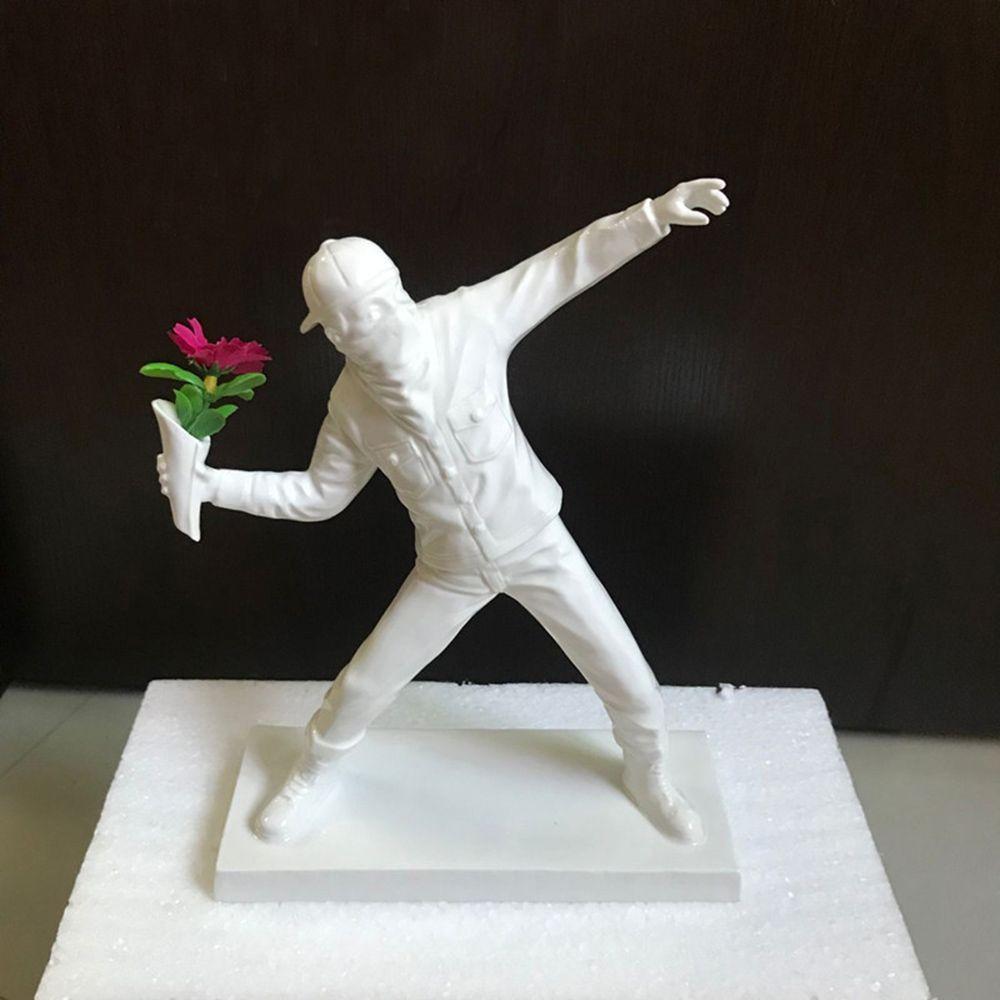 Las flores que lanzan adorna arte de nuevos modelos miniatura blanco y Negro figura muchacho del arte de colección de regalos de cumpleaños del juguete