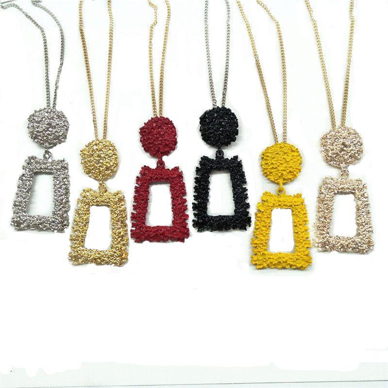 Pendentif Colliers 2021 Spring Simple Simple Forme géométrique Collier pour femme Gold Couleur Metal Collier Femme Bijoux Fashion
