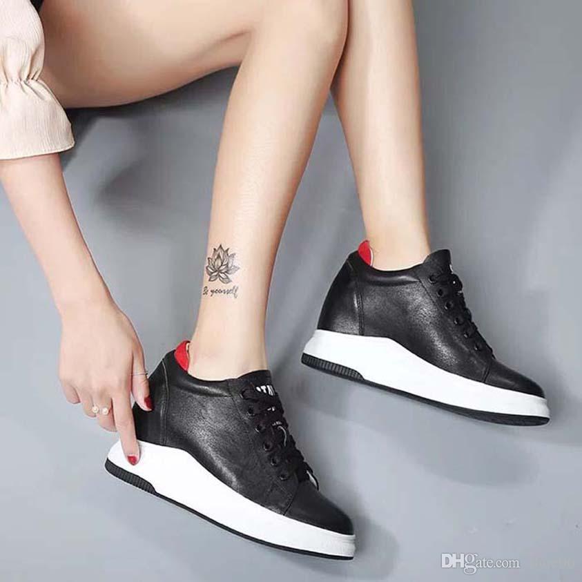 Con la scatola della scarpa da tennis scarpe casual scarpe da ginnastica di moda sportivo in pelle di alta qualità stivali pantofole dei sandali Vintage Air per la donna 06PX1120