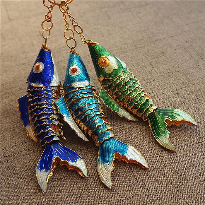 5.5cm 8.5cm realista Sway cadena de los pescados de Koi Tecla anillo de esmalte Llavero del encanto del animal con la caja de la carpa de los pescados Llavero regalos para invitados de la boda